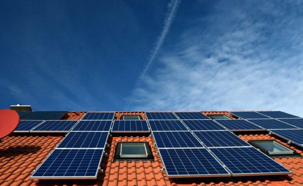 blockchain P2P trading solar panels